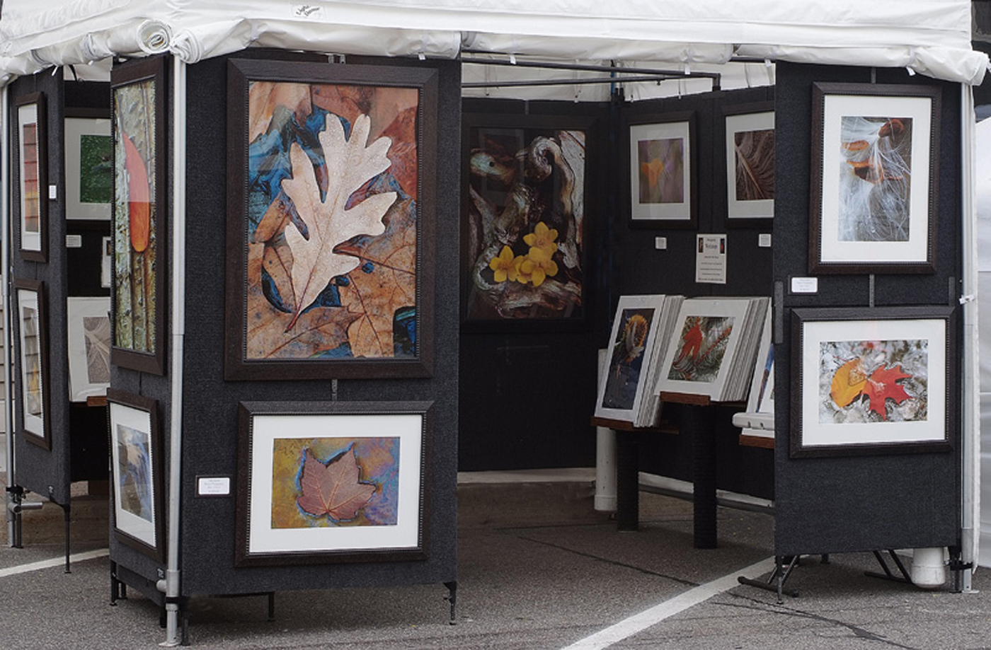 Art booth ideas on pinterest art fair festivals and art for Display walls for art shows